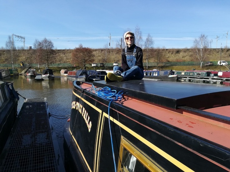 laura-narrowboat