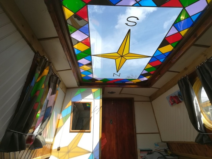 narrowboat-stained-glass
